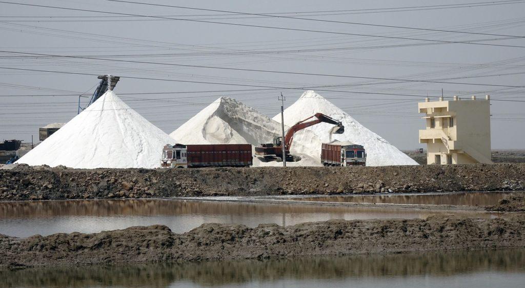 グリーンスムージーには精製塩より天然塩がお勧め