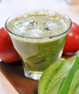 小松菜×トマトのグリーンスムージー