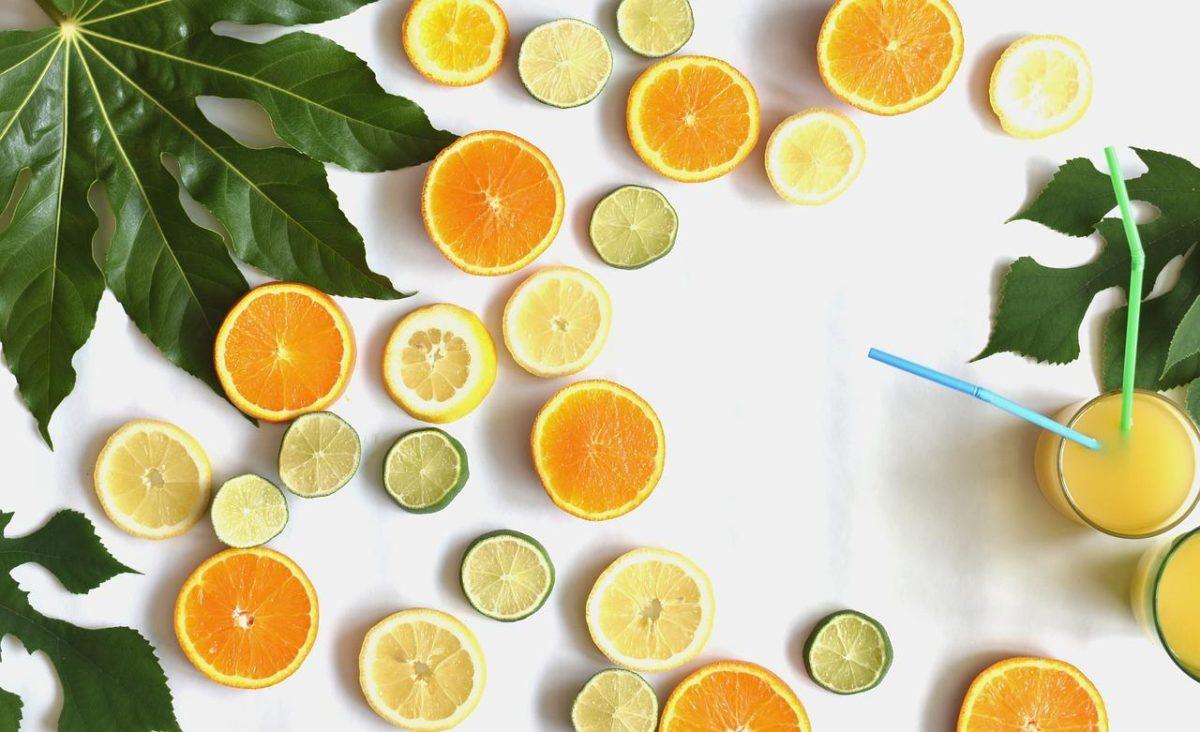 柑橘類の種や皮を使っている