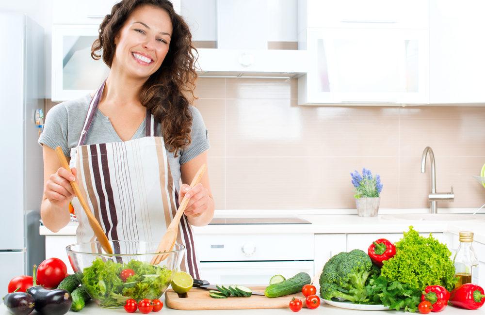 カンタンな葉物野菜の洗い方【流水でOK】