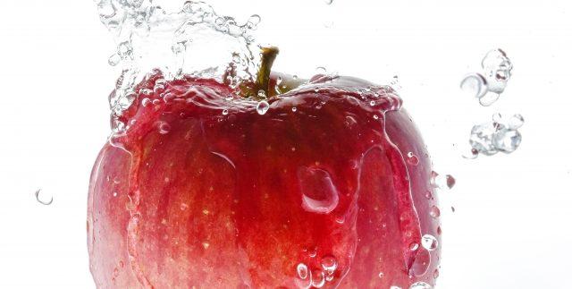農薬は水洗いすれば皮ごとたべてOK!農薬基準値が設けられています