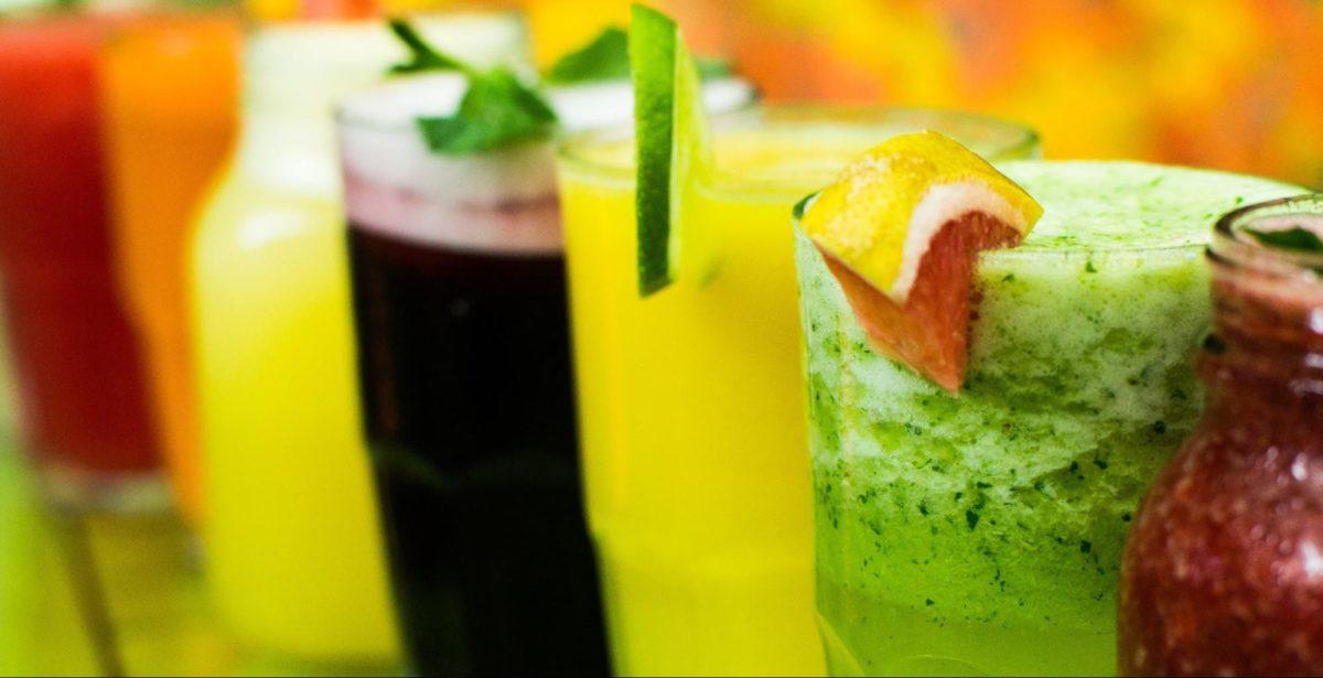 野菜ジュースを飲めば野菜は食べなくていいの?栄養と効果比較