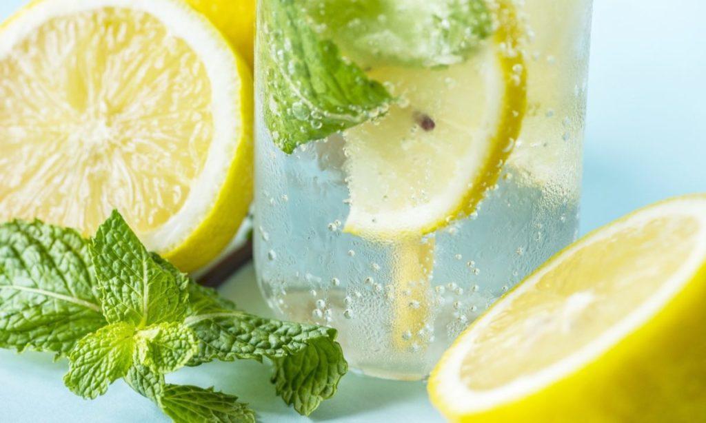 すっぱいレモンの効果を、美味しく活かす方法