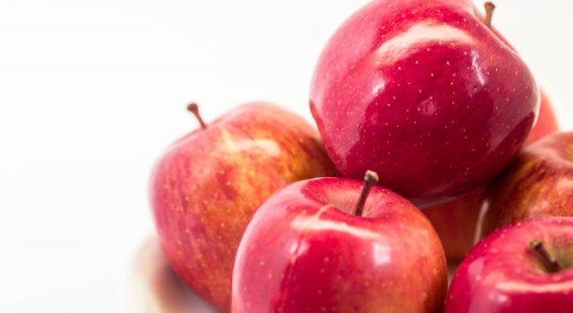 りんごの皮に含まれる栄養と効能(健康と美容に効果大!)