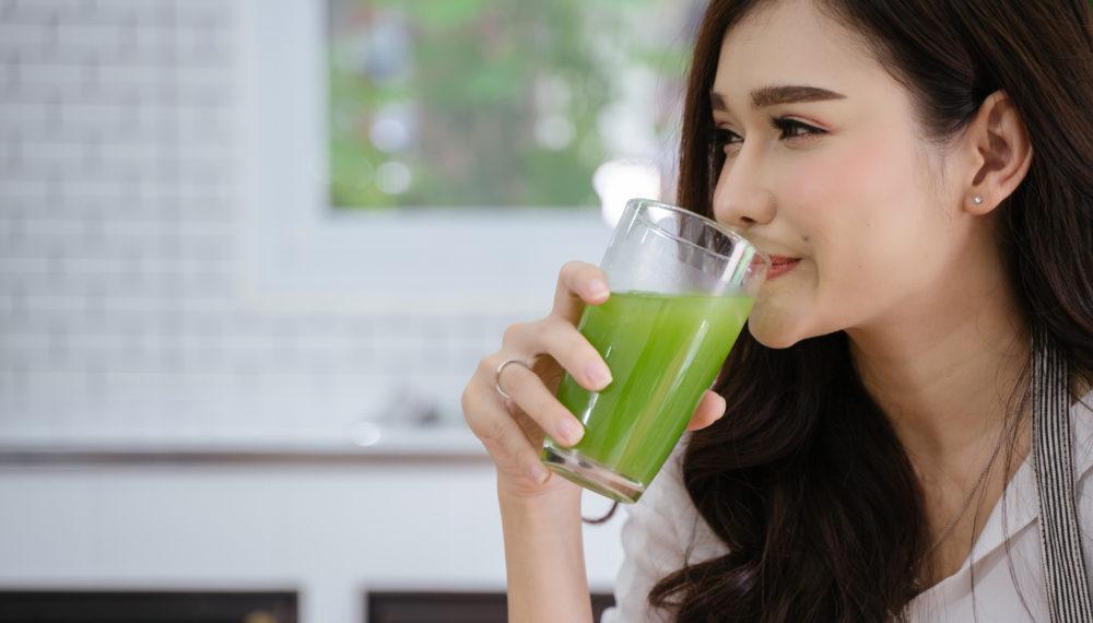 野菜ジュースにはニ日酔いを改善する栄養素も含まれている