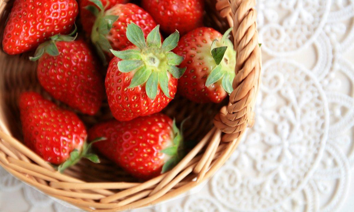 酸っぱいイチゴを甘く美味しく食べる方法!酸っぱいのはなんで?甘いイチゴの見分け方も