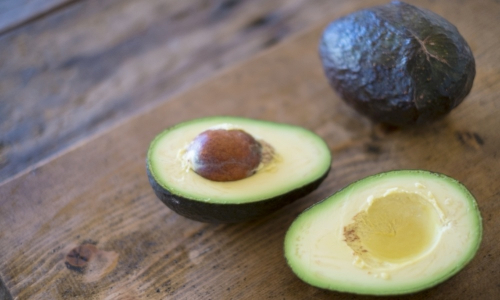 アボカドを毎日食べ過ぎると体に影響するの?実はニキビ対策におすすめ!