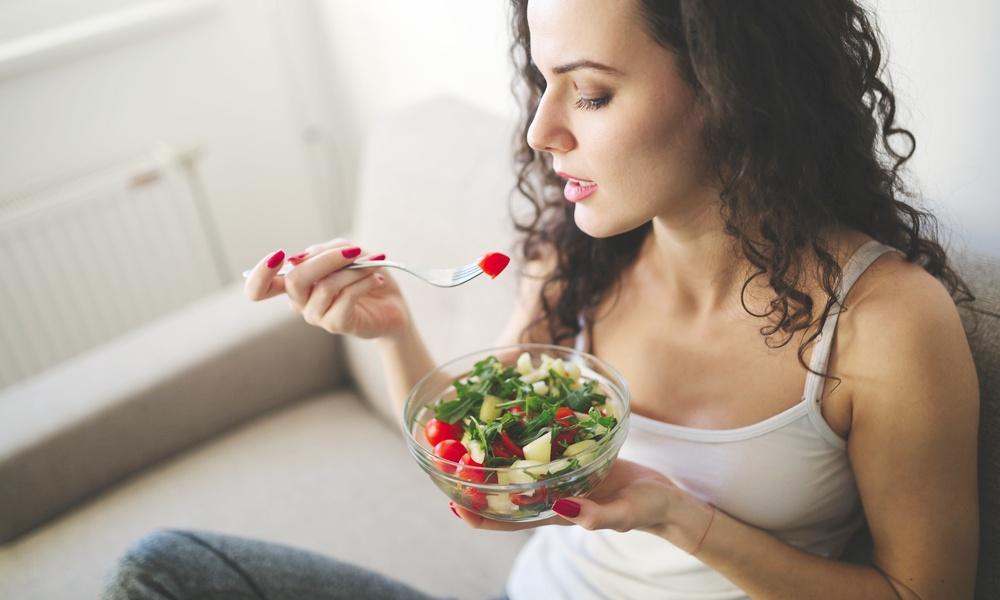妊娠中はトマトを食べたくなる!?つわりも軽減してくれるトマトは妊婦の強い味方!