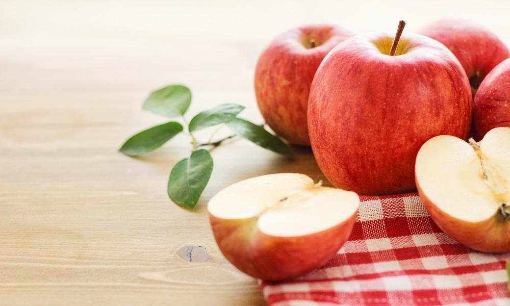 手作りのりんごジュースは、作りたてをのむのが一番!