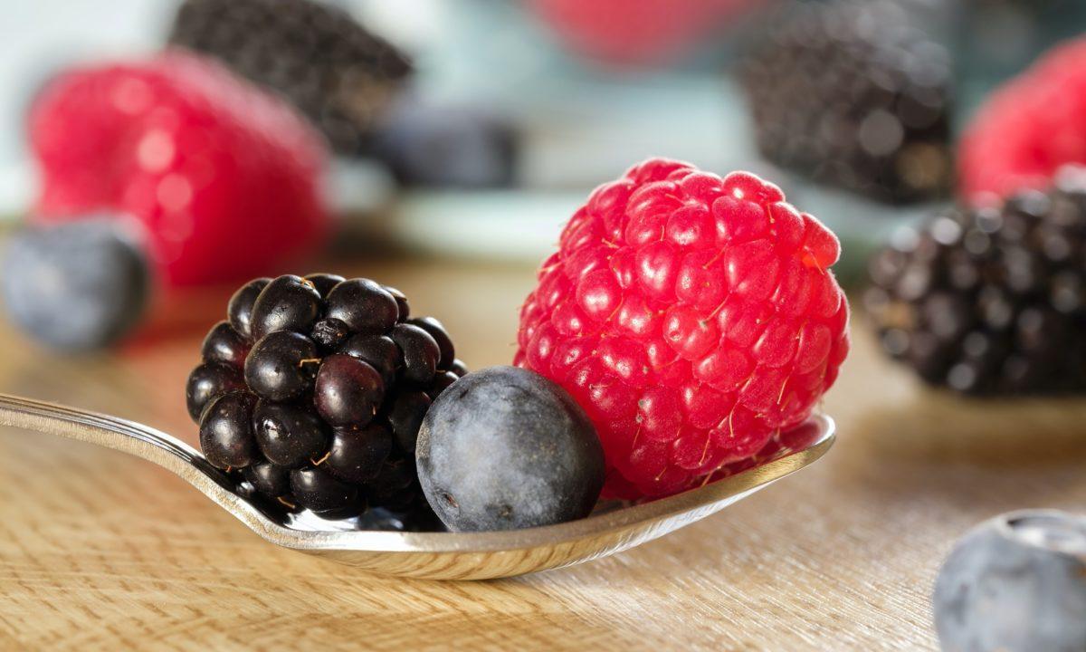 ブルーベリー・ラズベリー・ブラックベリーの違いって?気になる味や栄養価・効果効能を徹底比較!