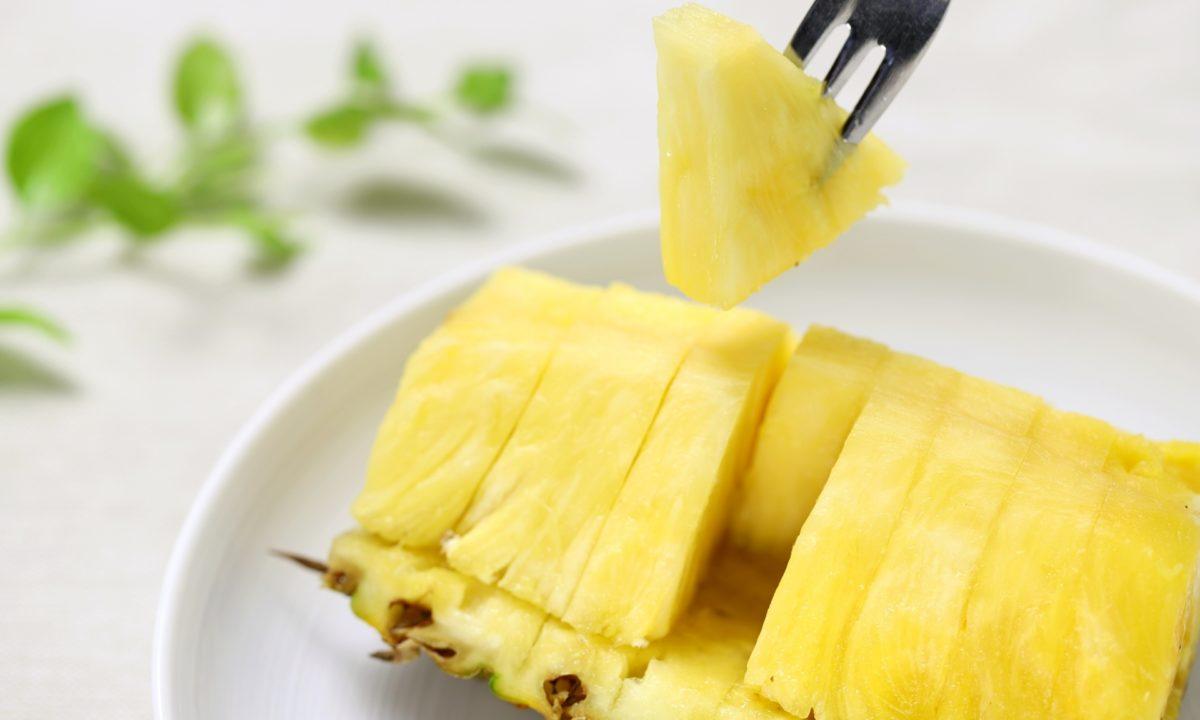 パイナップルのカットの仕方