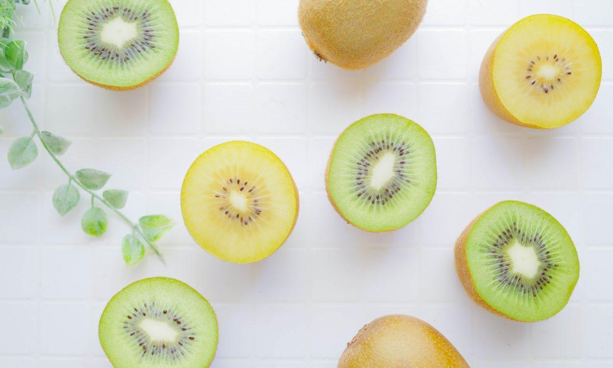 グリーンキウイとゴールドキウイの違いは色だけ?栄養があるのはどっち?比べてみよう!