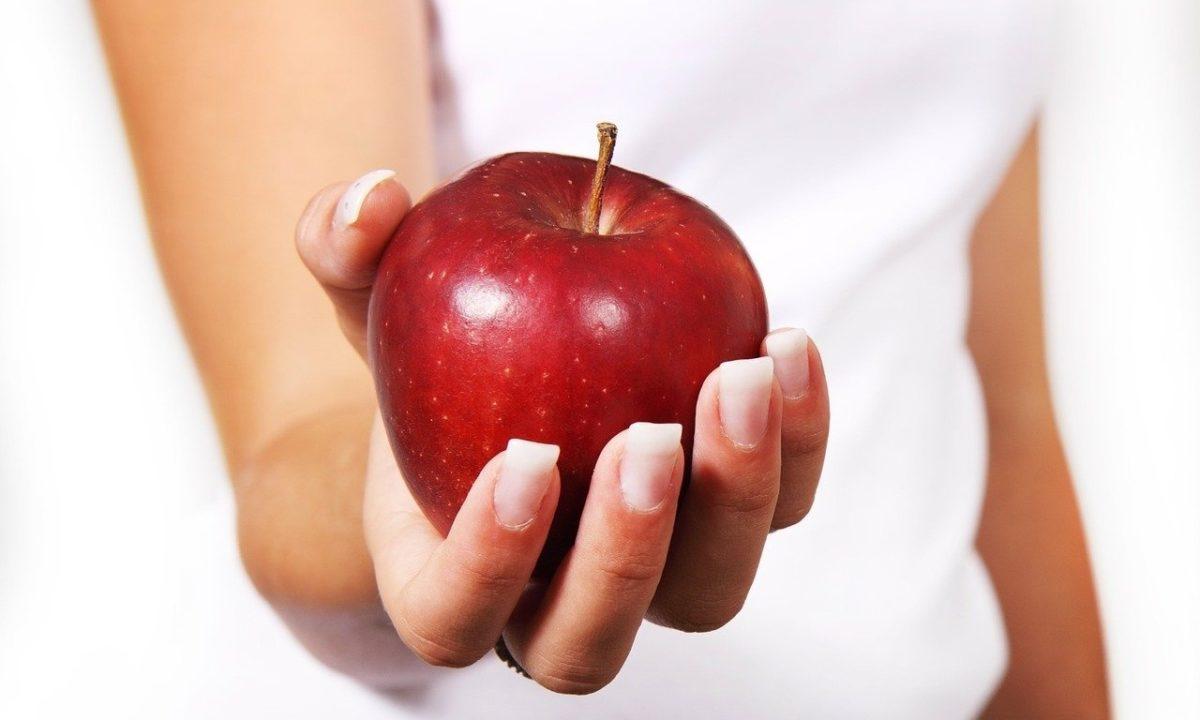 りんごでダイエットは痩せる?太る?むくみ解消効果でスッキリ爽快生活!
